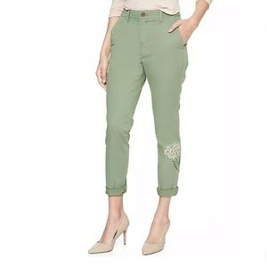 GAP GIRLFRIEND CHINO PANTS OLIVE GREEN W/FLORAL